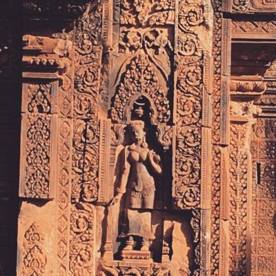 バンテアイスレイ寺院の朝観光ツアー