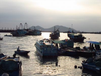 香港2★海を見に そして 海鮮を食べに 長洲島へ ~長洲平記・大貴灣・東灣・潮發菜館~