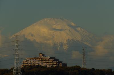 紅葉滝から見える冠雪した富士山-2017年晩秋