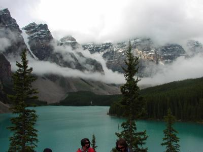 2: モレン湖、ペイト湖、クロウフット氷河、タカカウ滝など観光ツアー