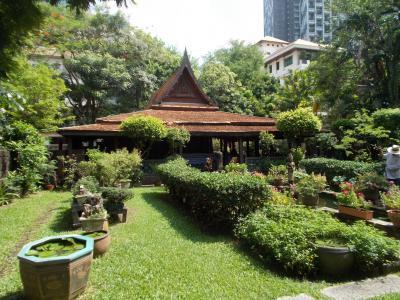 バンコク随一のビジネス街に伝統的な建築様式・M.R.Kukrits Heritage Home @サトーン(28の14)EUROPE 10本