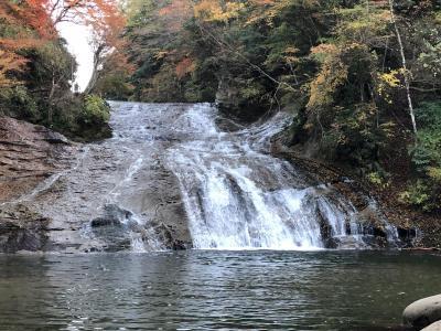 日本一遅い紅葉スポットと言われる養老渓谷で4キロの滝めぐり