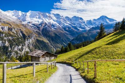2017年 秋色のスイス(7)シルトホルンとラウターブルンネン・ミューレンのハイキング