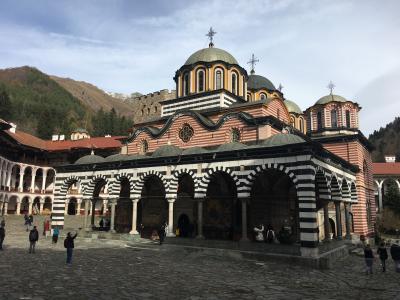 カタール航空(+ブルガリア航空)で行く3泊5日ブルガリア ②実質1日しかないので、ブルガリア最低限のノルマ「リラ修道院」にバスで行ってきました