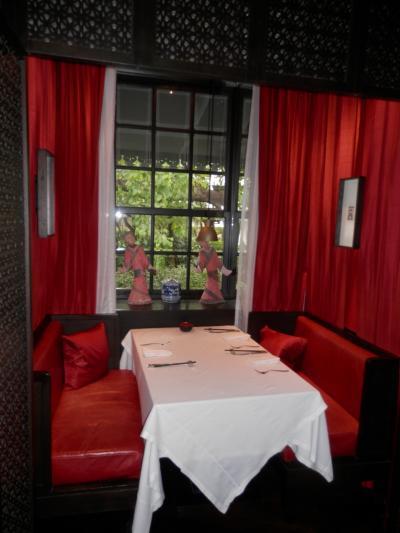 タイ・バンコク・マンダリン オリエンタル ホテルで飲茶ブッフェを食べ、11月にオープンしたトラベロッジ(Sukhimvit Soi11)に1泊¥3000で泊る旅。