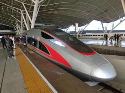 中国の新型新幹線「復興号」に乗車@武漢駅