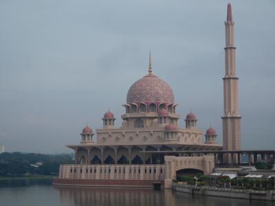 クアラルンプール&ブルネイでモスク巡り(その3:プトラジャヤ編~ピンクモスク、首相官邸など)