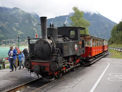ラックレールの蒸気機関車アッヘン湖鉄道