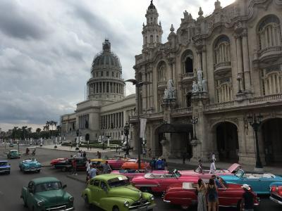 キューバ(1)パパとアメ車で昼ビール/ハバナ