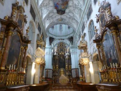 ゲトライデ通りでショッピング~ミラベル宮殿 室内楽コンサート~雨のザルツブルク散策~ペーター教会