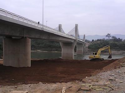 ラオスの未来に架かる、セコンの日本橋。オープンセレモニーは、2018/01/20。橋の完成でセコンの街は変わる。タイ、ラオス、ベトナムを結ぶ、待望、希望の橋。