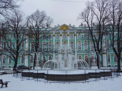 12月のモスクワ&サンクトペテルブルク  4日目 エルミタージュ美術館に朝から夕方まで、雪の降る中を徒歩でマリンスキー劇場へ