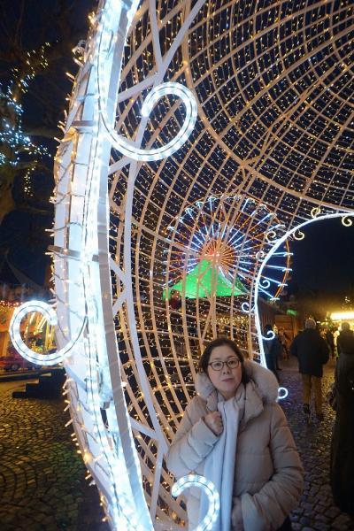 ドイツ・ベルギー・オランダ3か国のクリスマスマーケット巡り(6) マーストリヒトのクリスマスマーケットと世界一美しい本屋ドミニカーネン。