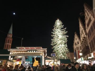 イギリス、ドイツで一足早いクリスマス⑦(終)幻想的で煌びやかな夜のクリスマスマーケット
