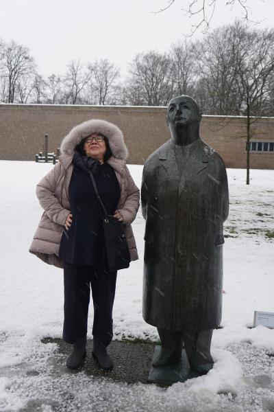ドイツ・ベルギー・オランダ3か国のクリスマスマーケット巡り(12) 大雪のクレラー・ミュラー美術館を一人歩き、2年前の後悔が消え去った日。