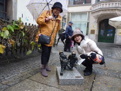 小さな町で見つけた妖精像が人々を笑顔にしてくれる