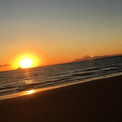 昨年に続き    海からのぞむ富士山が見たくて、幕張へ、