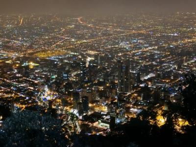 治安回復中!?ボゴタの旧市街地と夜景