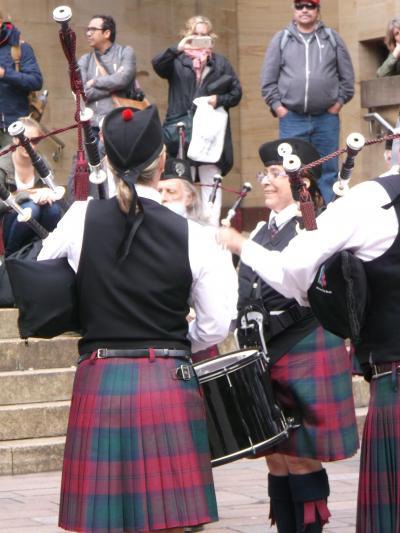 アイルランド・スコットランド11日間の旅⑭ バグパイプとドラムの音が響くグラスゴー
