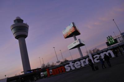 オランダ、ベルギー、ルクセンブルクへ行ってみた(^◇^)1日目ただただ、飛行機に乗りアムステルダムへ