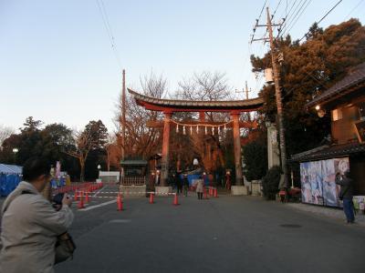 久喜市高齢者大学26期さわやかOB会でウォ-キングで鷲宮神社に初詣
