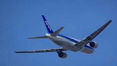 伊丹空港 エアフロントオアシス下河原から出発便を撮影