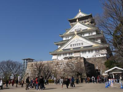 大阪城と梅と・・・