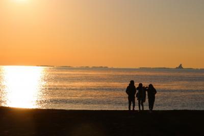 ブララブコー 「茅ヶ崎サザンビーチから初日の出」