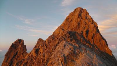秋の槍ヶ岳登山。北アルプスの絶景、紅葉、星空の美しさに感動!