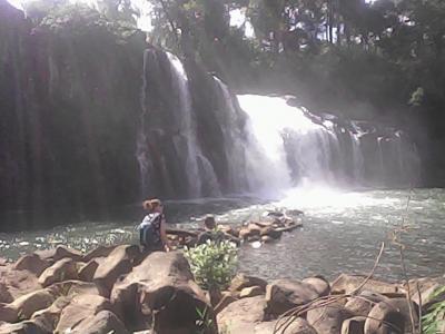 ラオス、セコンの街からTad Lo ロの滝まで、ラオ友とタンデムツーリング。