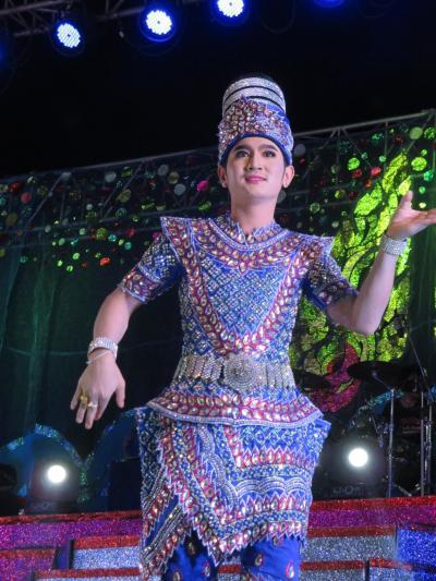 タイ・イサーンと南部ベトナムの旅(5)         ウドーン・タニーの市場とコーケンの歌謡ショー