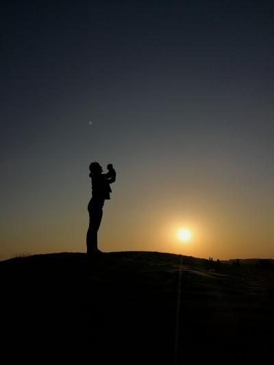 ドバイでデザートサファリ(砂漠日没ツアー)