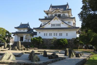 2017暮、大阪湾の名城巡り(37/42):12月7日(10):岸和田城(3/3):復興天守からの眺望、八陣の庭、石庭と天守