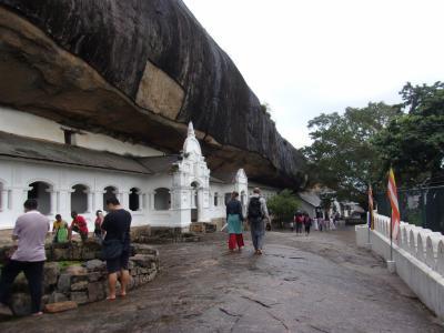 還暦過ぎ夫婦世界一周スリランカ、ダンブッラの石窟寺院、チケット売場はどこなの?