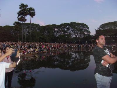 還暦過ぎ夫婦世界一周カンボジア2、アンコールワットの元旦は英語ツアーで初日の出