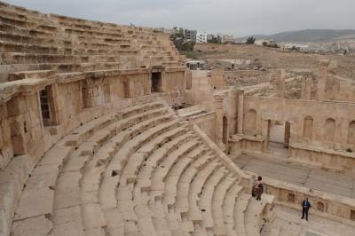 なかなか見応えのあるヨルダンのジェラシュ遺跡へ(冬の中東周遊旅行)