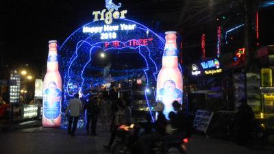 還暦過ぎ夫婦世界一周カンボジア1 アンコールワットの夜はにぎやかな大晦日!