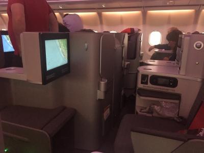 イベリア航空、ビジネスクラス搭乗記 FRA/MAD/LIMと改装後小洒落たイベリア航空ラウンジ。