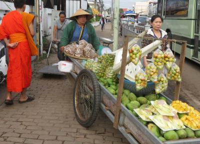 Laos メコンの宝石(4/20) ビエンチャンまちあるき