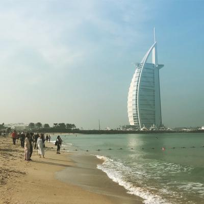 高くて高い街ドバイ。その2「ブルジュ・アル・アラブの金曜ビュッフェ」
