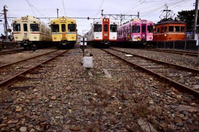 引退する一畑電車2100系「旧一畑電鉄カラー」と日本最古級の車両デハニ50形を追いかけて