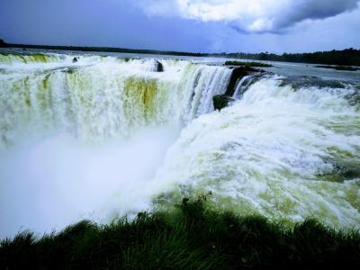 2017年末年始:北北西に一周してみる旅/ その3:アルゼンチン側イグアスで滝の迫力を味わう