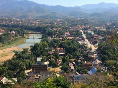 東南アジア縦横断の旅道中記 11《ラオス・ルアンパパンのプーシーの丘見学とルアンパパンの夕焼け》