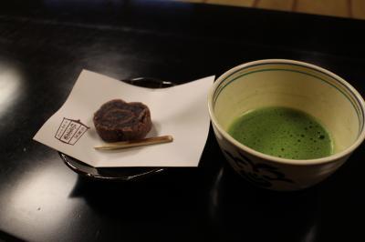 「京の冬の旅」二回目、宝鏡寺に妙覚寺、周辺の日蓮宗寺院と街歩き。ちょっと一服は俵屋吉富。