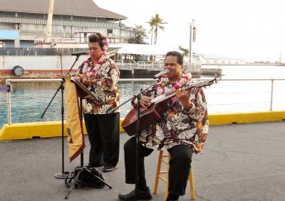 2018年ハワイ旅行 JAL782便 ホノルル入国審査 トミー・バハマ スターオブホノルルディナー ヒルトンガーデンインワイキキビーチ