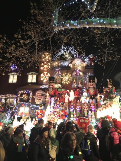 マンハッタンとブルックリンに泊まるホリデーシーズンのニューヨーク4日目<ブルックリンを散策~ダイカーハイツのクリスマスイルミネーション>