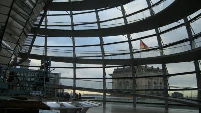 2017年晩秋のハンブルク、ベルリンへ その15 月曜日のベルリン街歩き 連邦議会議事堂へ行ってみた