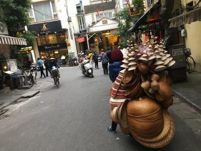 アジア縦横断の旅道中記 15《ハノイは商売魂とバイクの数が凄い!》