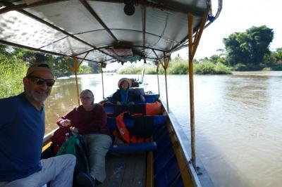 タートン(Tha Ton)  「Kak 川をボートで下ってチェンライ(Chiang Rai)へ」