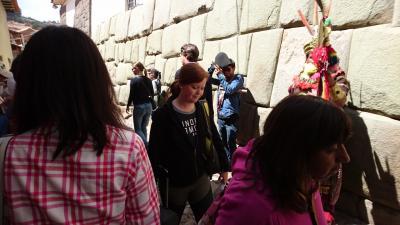 ペルーアンデス紀行7 クスコ市内観光:アルマス広場、サント・ドミンゴ教会、インカの石組み12角の石